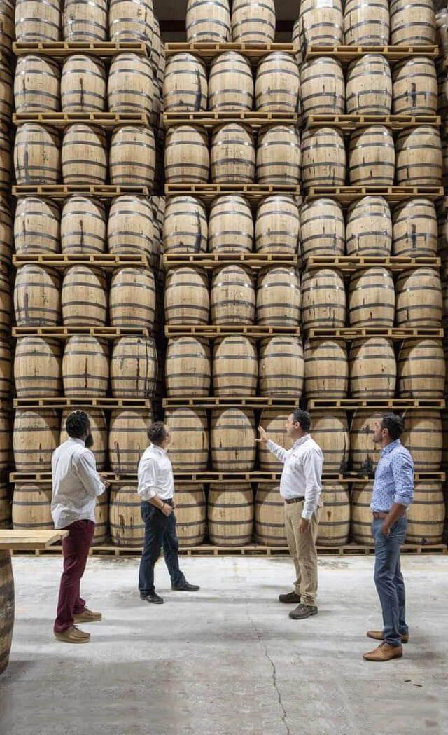 Bourbon-Tours-at-Bartons-Distillery-640x1049